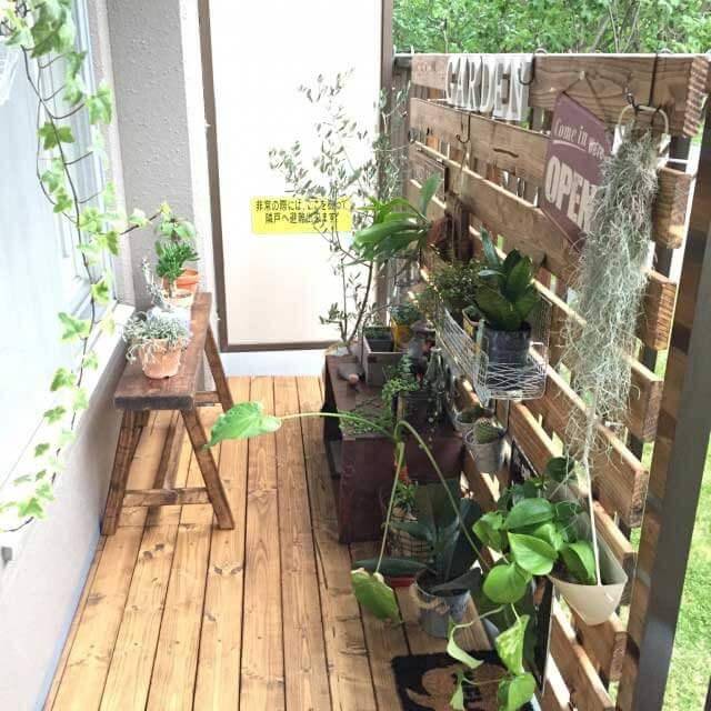 ハンギング式で植物を自在にコーディネート